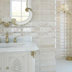 Плочки за баня в бял цвят с блясък