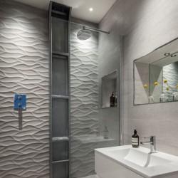 Плочки за баня изцяло в светлата гама / APARICI