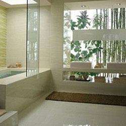 Практични решения за хлъзгава подова настилка в банята