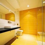 Жълти плочки за баня